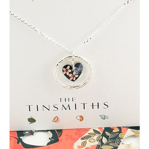 The Tinsmith Corazón de cereza y aro plateado y collar de plata 38