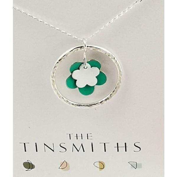 Collar doble de flor verde y aro plateado y collar de plata 40