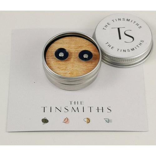 The Tinsmith Dunkelblaue runde winzige Ohrstecker aus Zinn in einer Dose 53