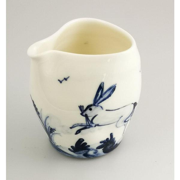 Handbemalter Gießkrug 040 von Hares Porzellan