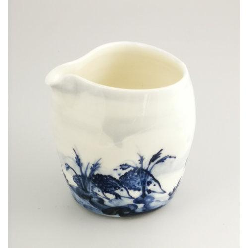 Mia Sarosi Jarra de porcelana de erizos pintada a mano 046