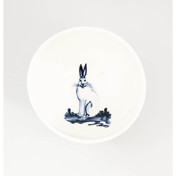 Liebre sentada porcelana pintada a mano cuenco pequeño 061