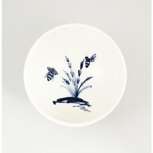 Mia Sarosi Cuenco pequeño de abejas en porcelana lavanda pintado a mano 058