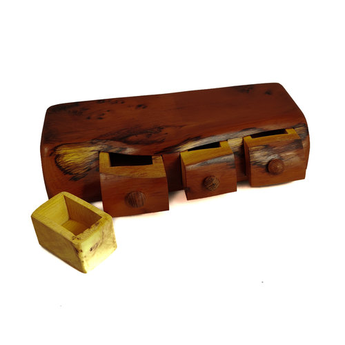 Hollytree Woodcrafts Yew Wood Box tres cajones y cajón secreto 09