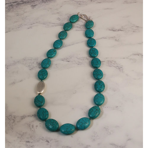 Melissa James Turquoise flat oval with  silver pod  Necklace 81