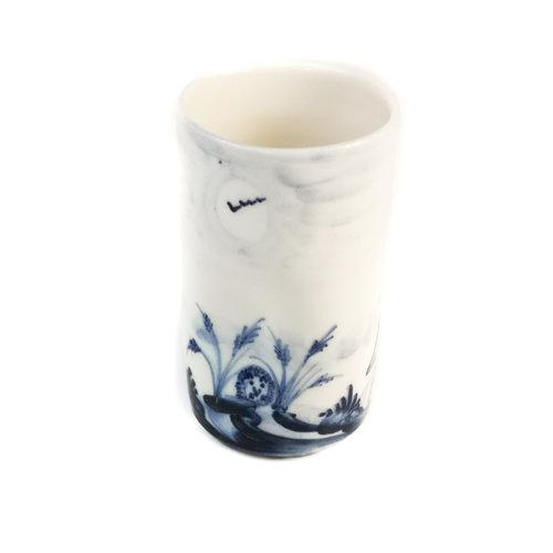 Mia Sarosi Handbemalter Blumenstrauß-Topf 071 des Igelporzellans