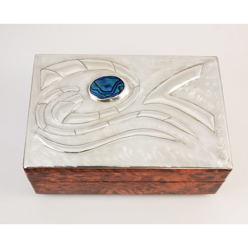Maria Santos Wellen Zinn und Holz Klappbox 030