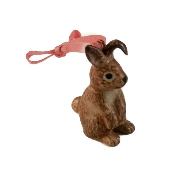 Brown Bunny Sitting Charme handbemalt 096
