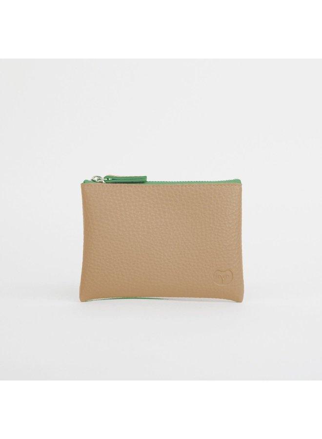 Sandy Beige Geldbörse mit grünem Reißverschluss 043