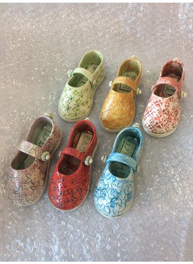 Schuh mit Riemen lila 15