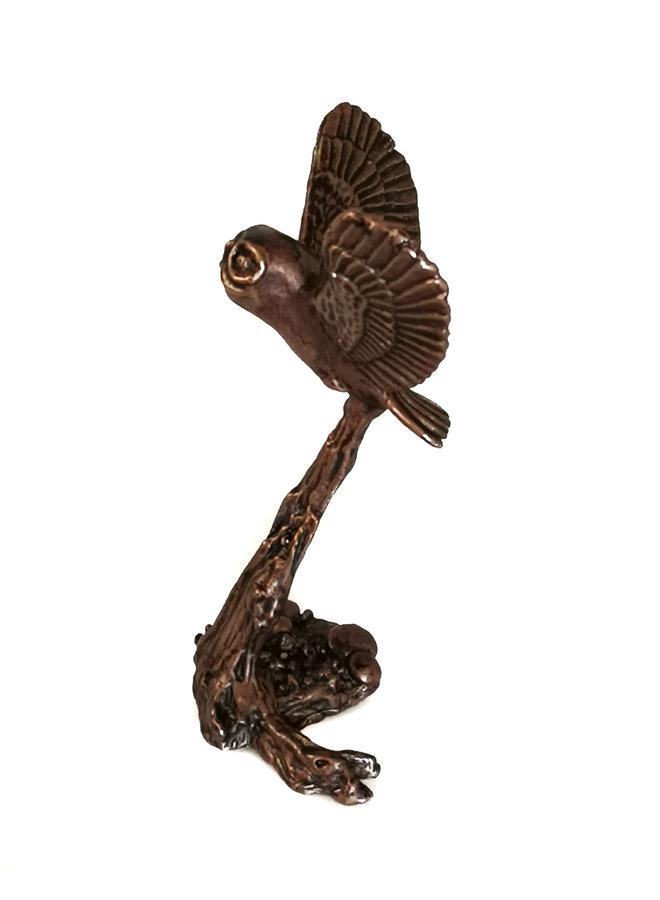 Waldkauz fliegende Bronze 75