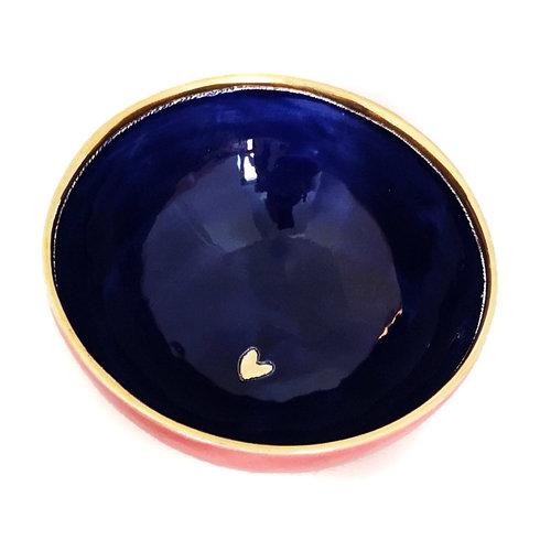 Sophie Smith Ceramics Bol pequeño corazón de cerámica azul, rojo y dorado 028