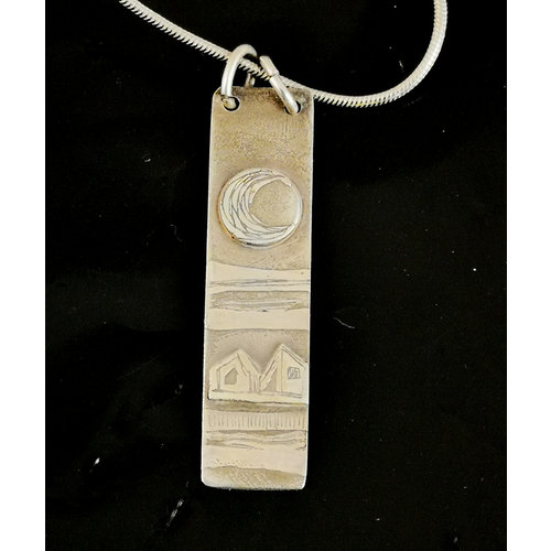 Inky Linky Full moon  and house silver etched necklace  01