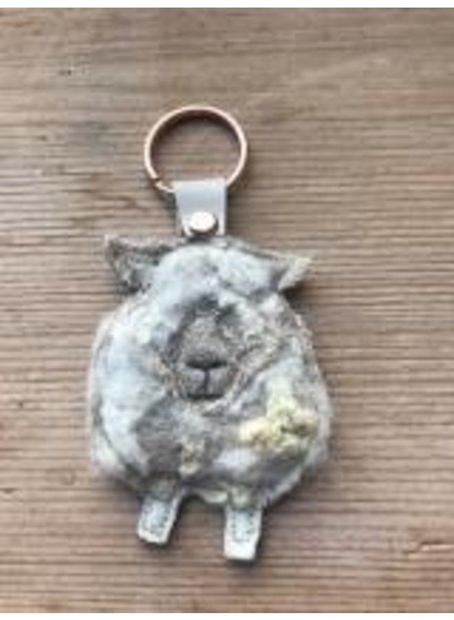 Weißgesichtiger Schafskreatur-Filzschlüsselring 13
