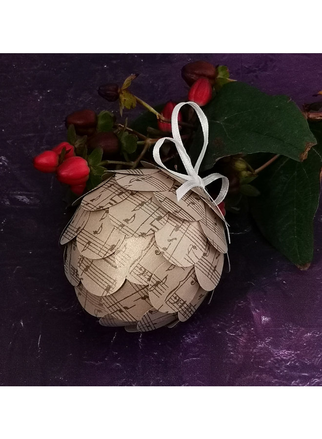 Musical gold paper bauble 38