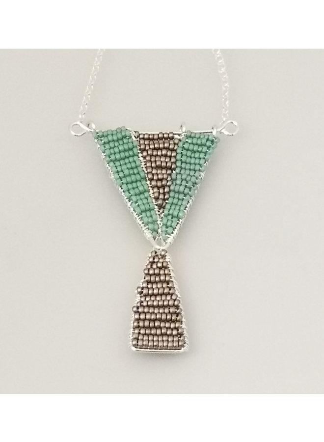 Geometrischer Glasperlen-Silberanhänger 38