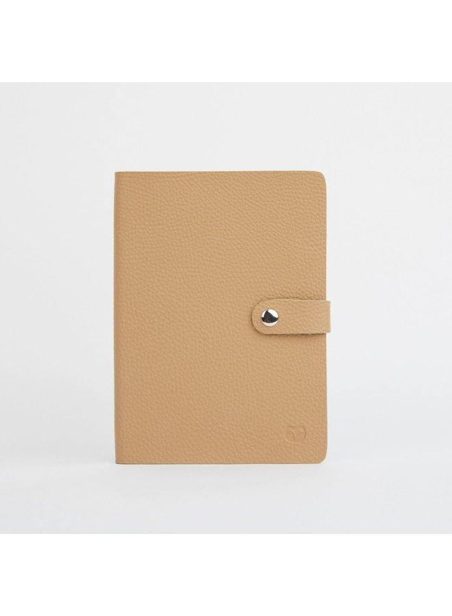 Sandy and Green Vegan Notebook mit Schließe Papier 050