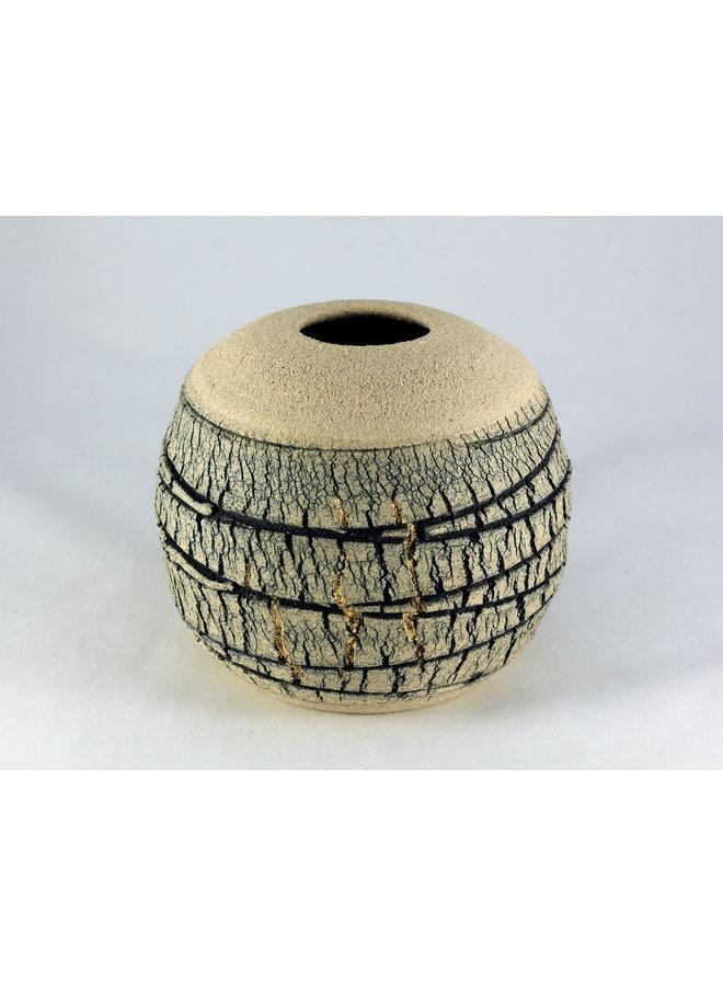 Geäderte Kalksteinkugel mit Glanz 1