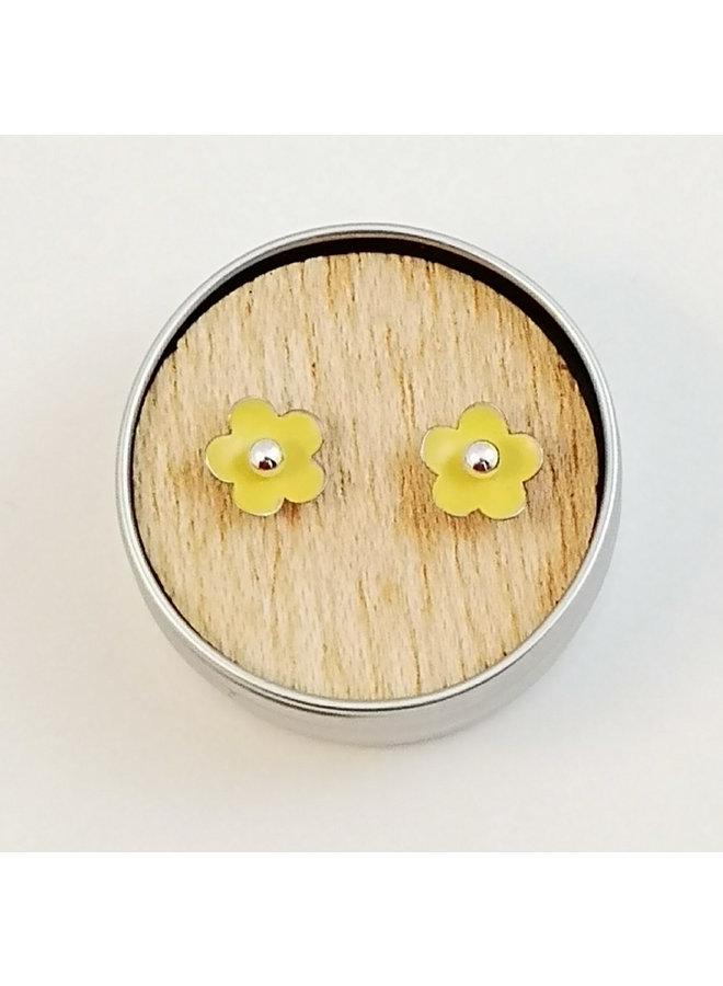 Yellow tiny daisy tin & silver stud earrings 92