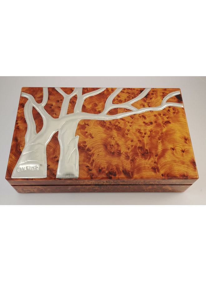 Oak Tree Pewter and wood hinged box 11 sections 026