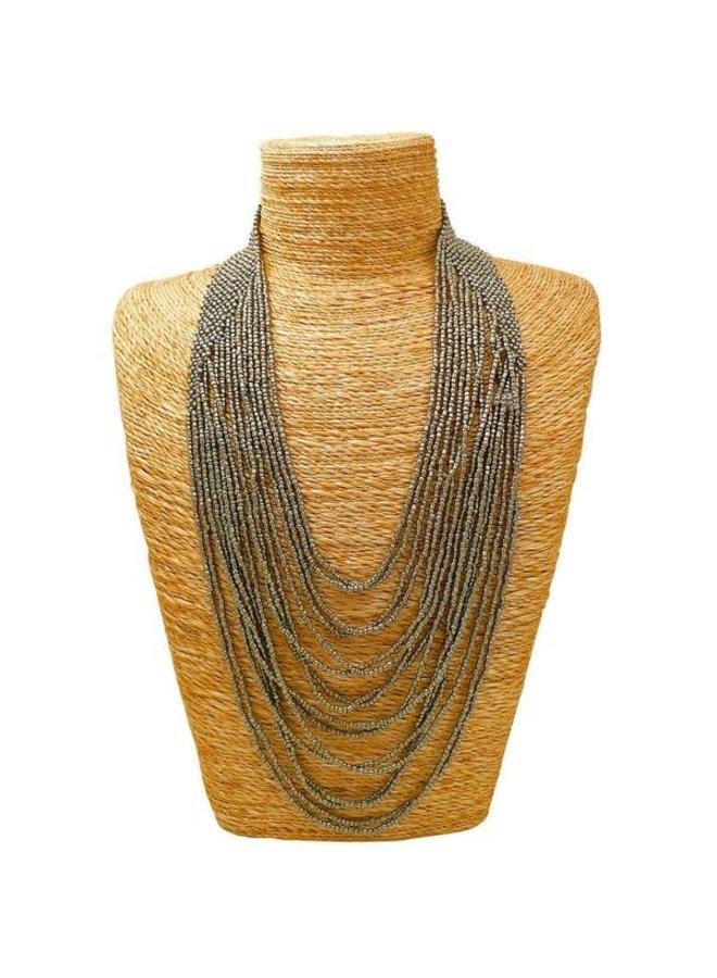 Halskette aus Silberkaskadenglasperlen 047