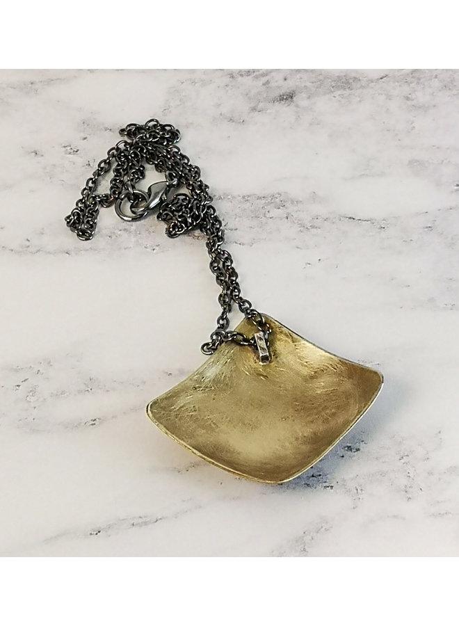 Biene quadratische Halskette aus Messingmetall mit Ätzung 84
