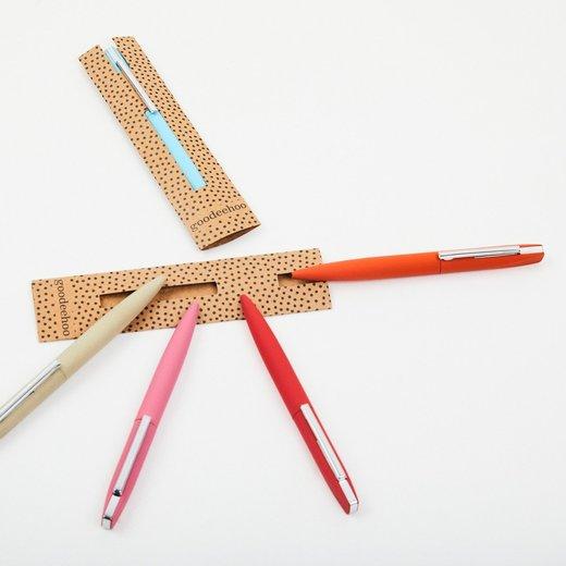 Stylos et crayons