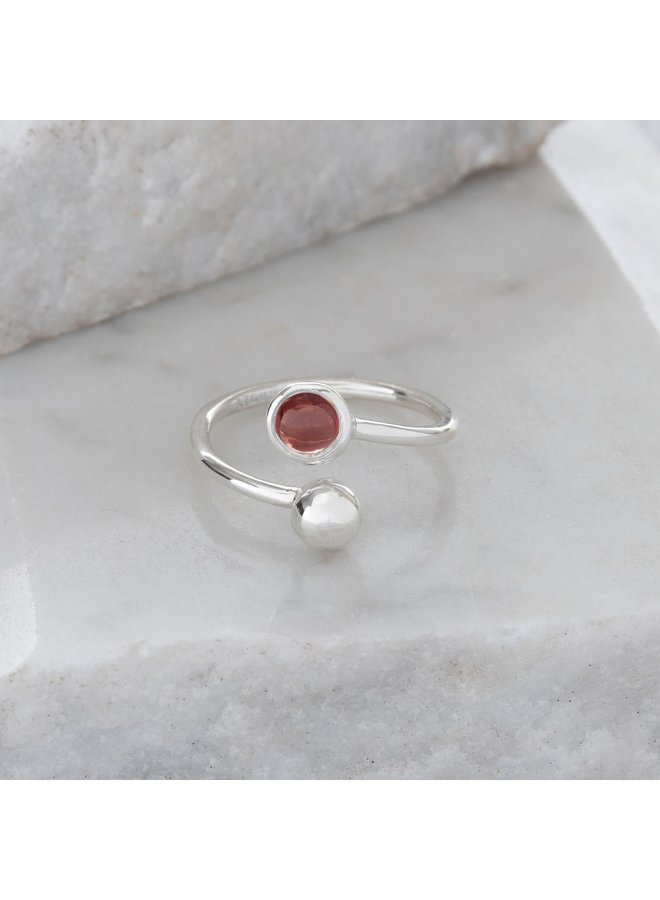 Verstellbarer Ring aus Granat und Silber 89