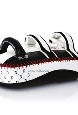 Fairtex KPLC2 Curved Kick Pads - Wit/Zwart
