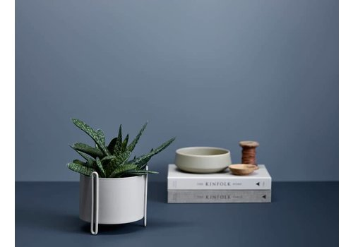 Woud Pidestall flower pot - small - grey