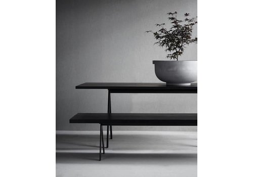 Friends & Founders Saw Dining table 300x100 - Zwart frame - Black solid ash top