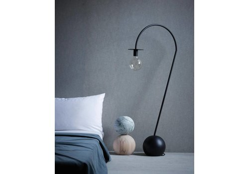 Friends & Founders La lampe - floor lamp - black