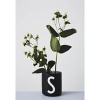 Flower holder for porcelain cup