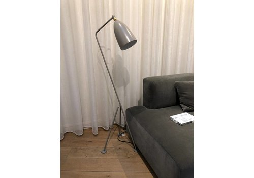 Gubi Gräshoppa vloer lamp