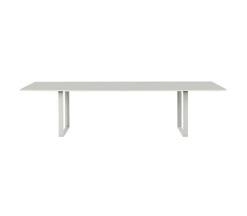 70/70 table - 295x108 -