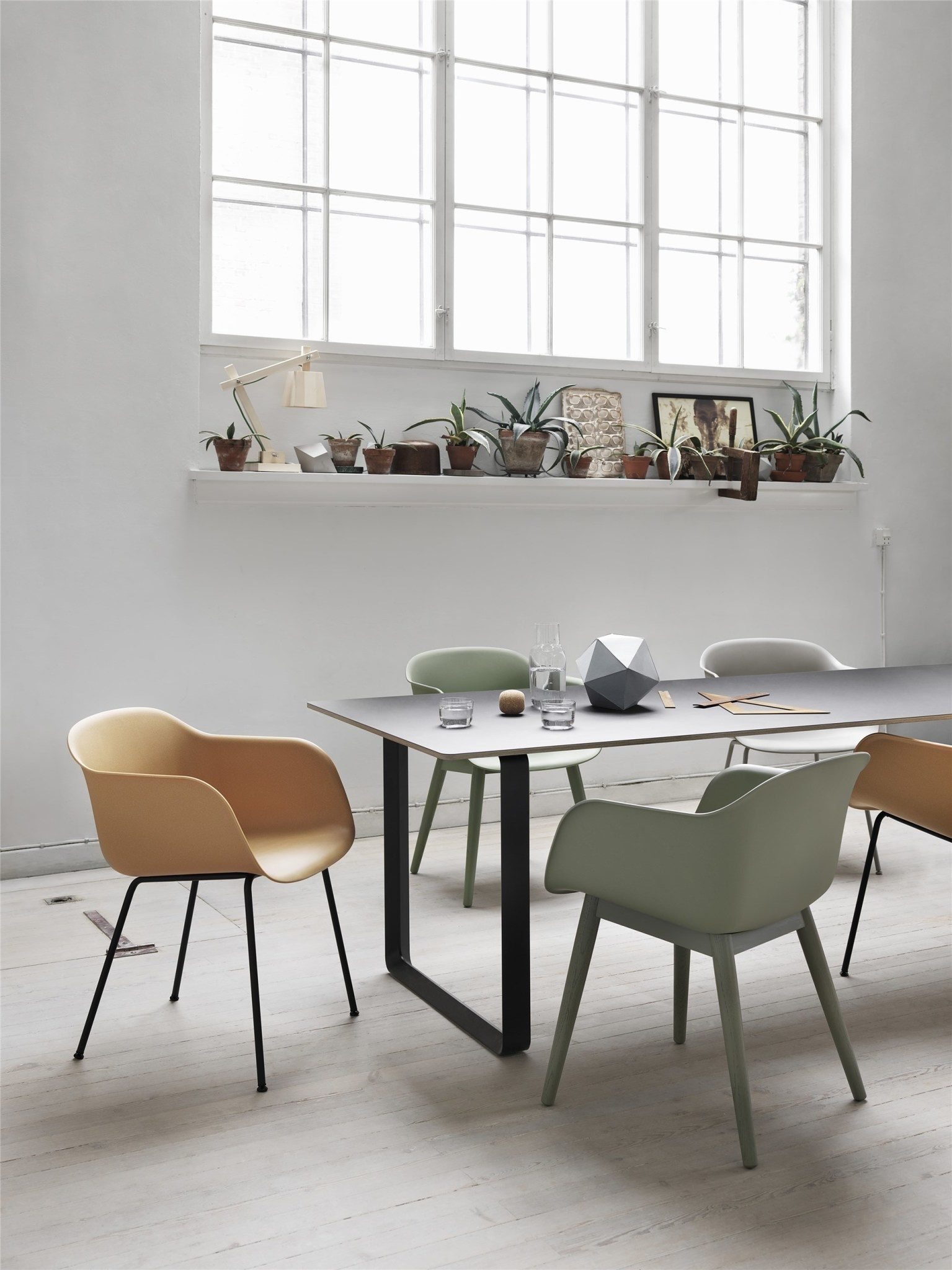 Fiber armchair wood base-2