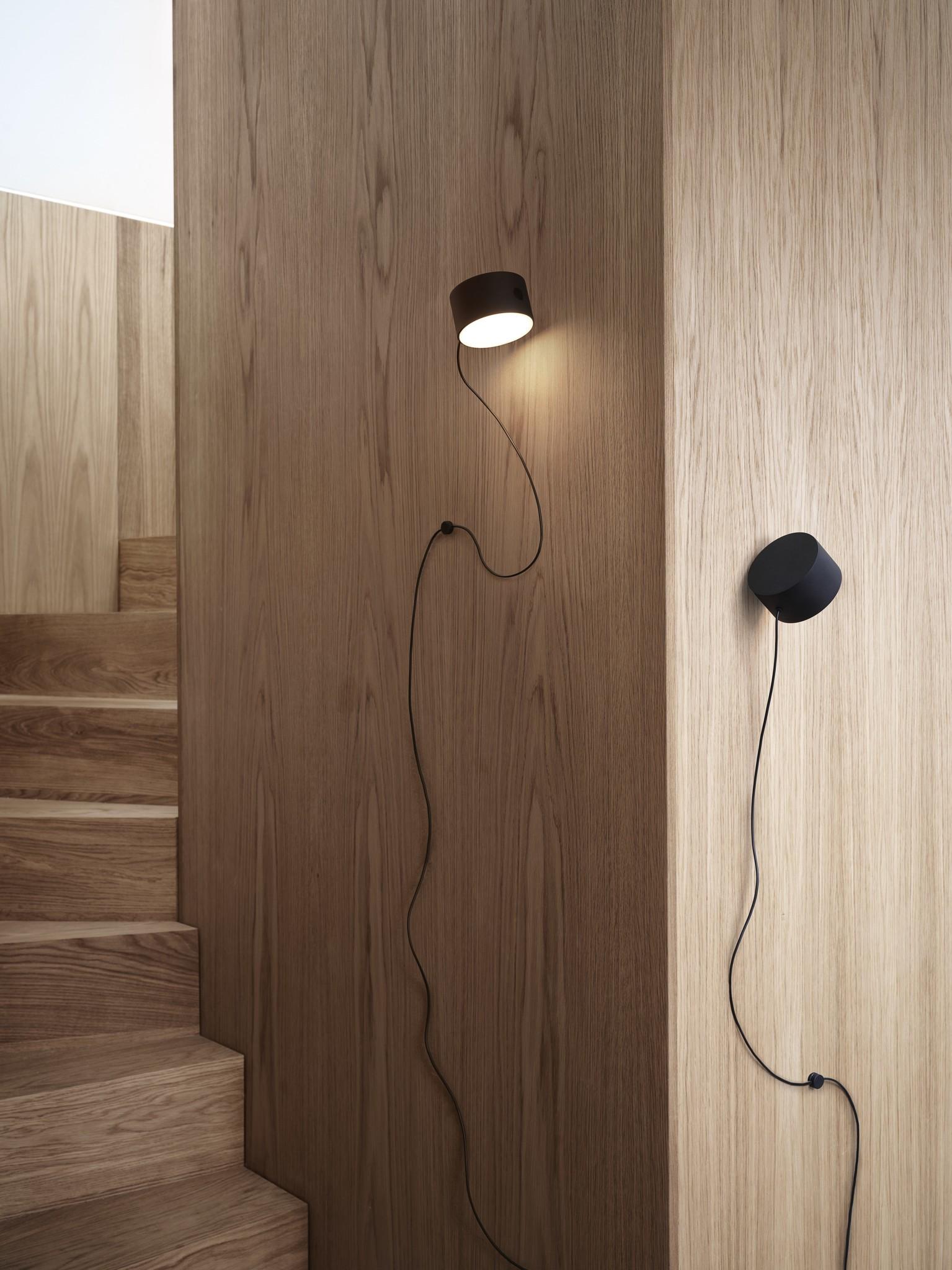 Post wall lamp black-2