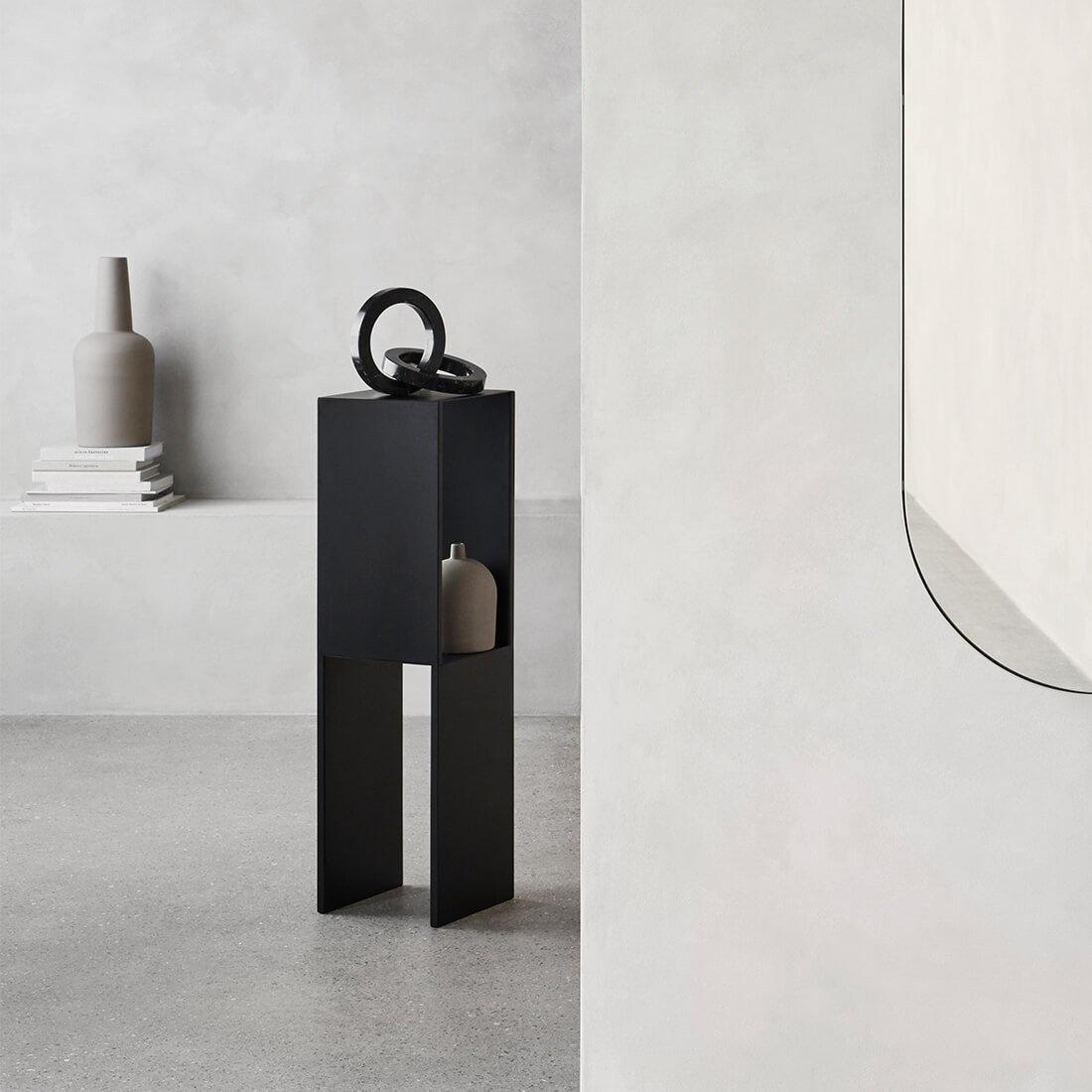 Pedestal Table Black High-2
