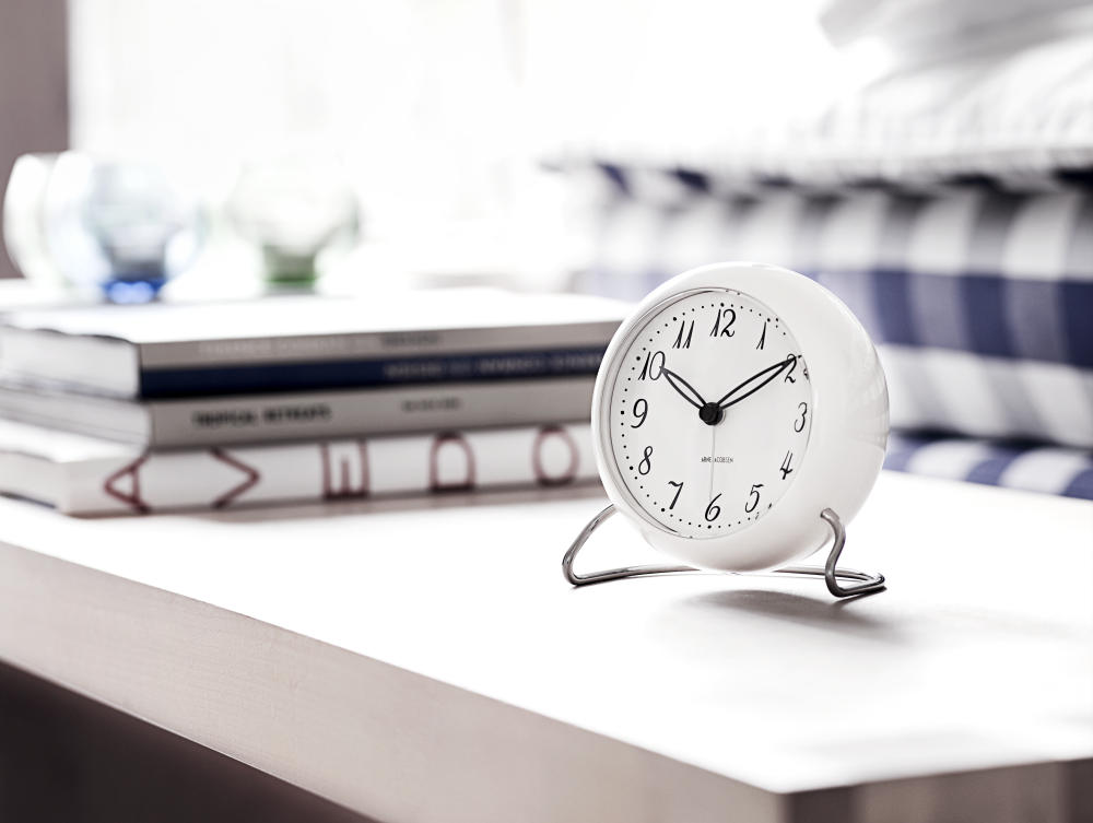 Station table clock-9