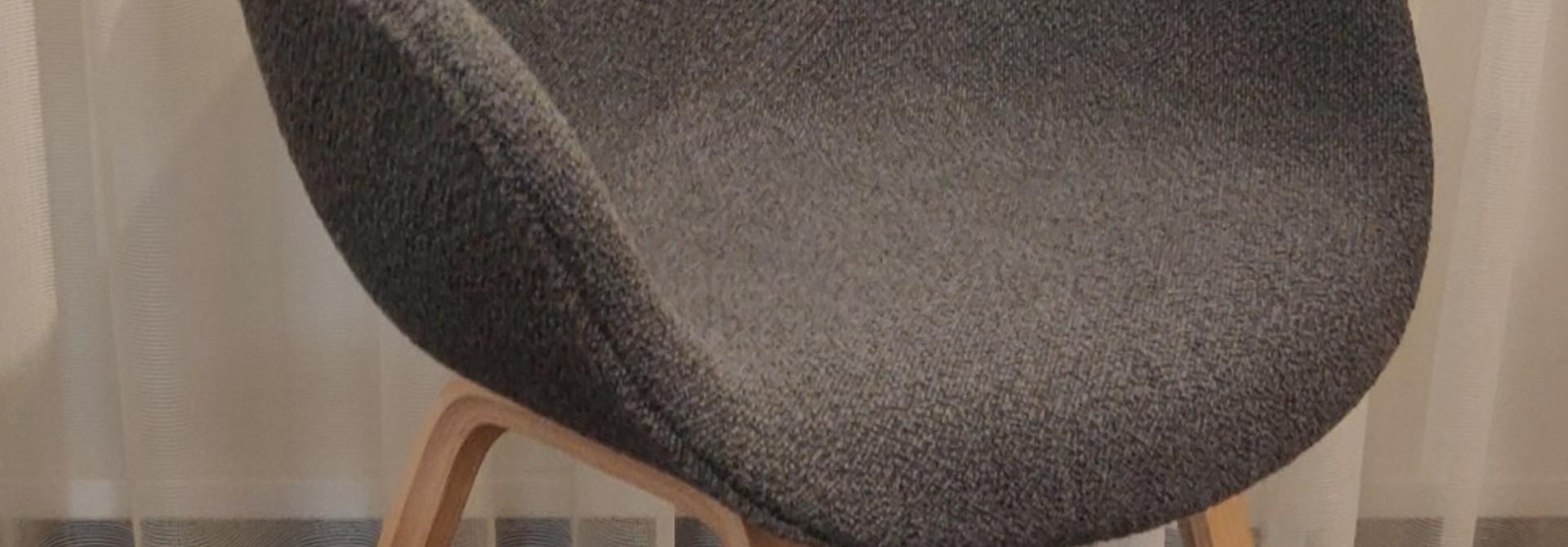Toonzaalmodel AAC123 - Matt lacquered oak veneer base Flamiber Charcoal C8