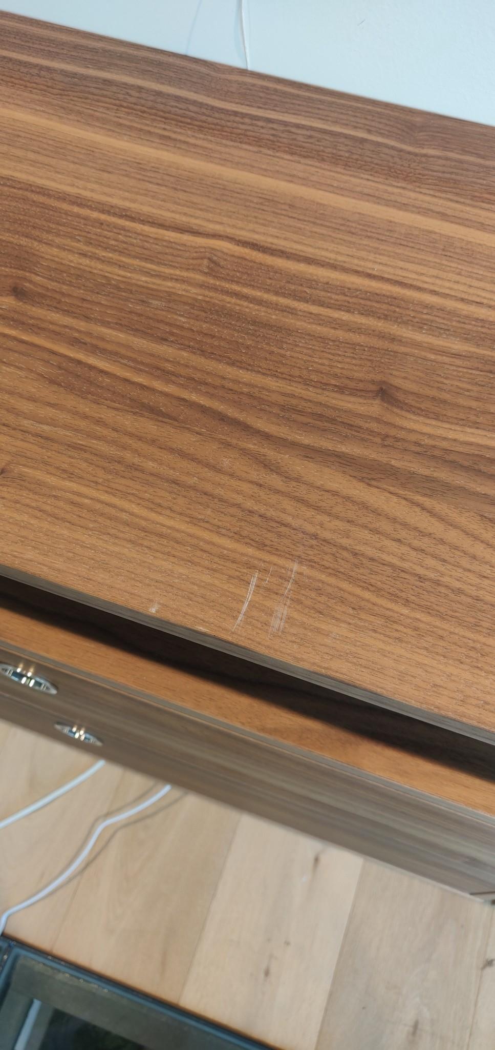 Toonzaalmodel String opstelling walnut / brown-3