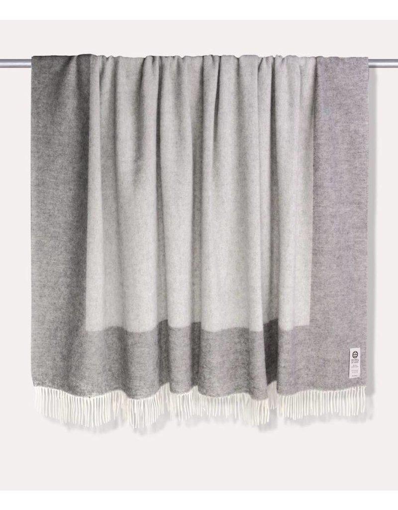 So Cosy Blanket 100% virgin wool Soft Gray
