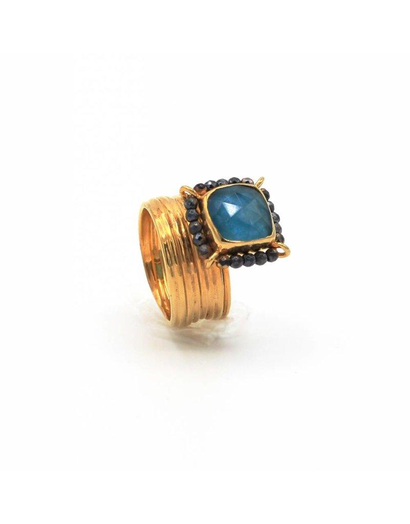 Tonia Makri Ring zilver verguld met blauwe Apatite, Kwarts en Rhodolite edelstenen