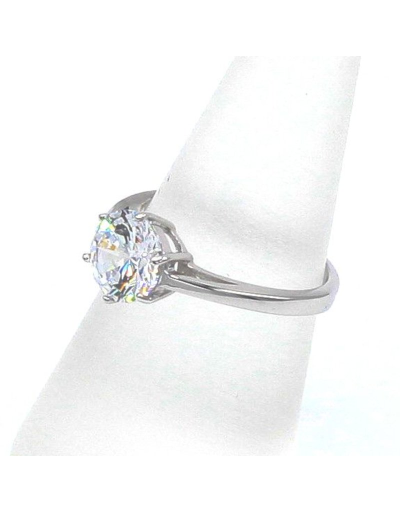 Silver ring with Zirconia solitaire