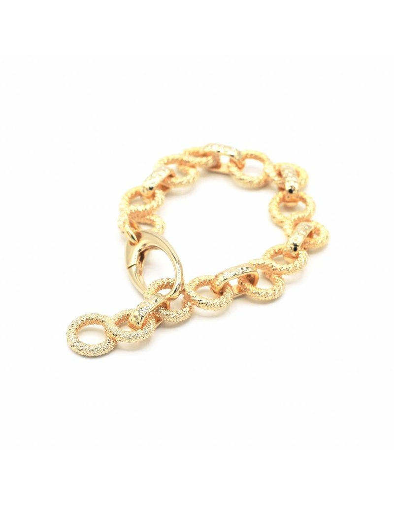 """Bracelet with """"eight"""" shaped links"""