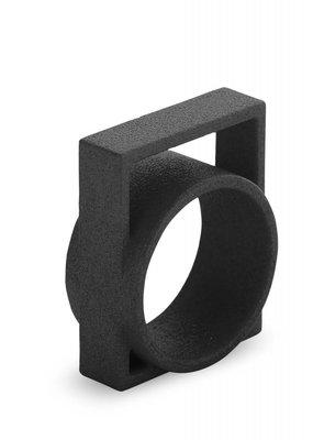Ola Ring met groot vierkant zwart