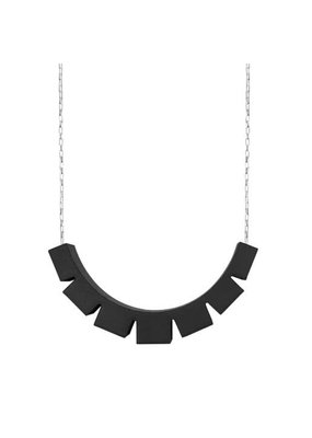 Ola Necklace with black checkered pendant