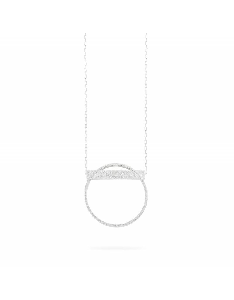 Ola Long silver necklace circle with bar