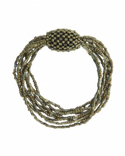 Armband met verschillende strengels met gouden pareltjes en knoop