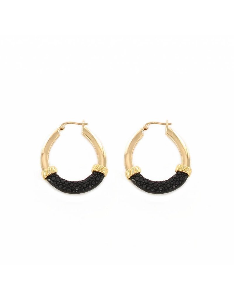 Barong Barong Earrings gold with stingray skin Black
